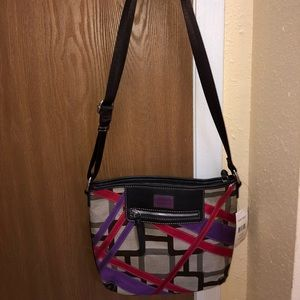 Woman's purse super cute new with tags!
